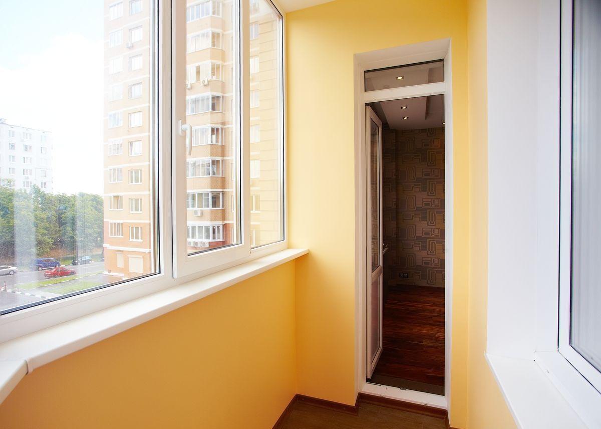 obshivka-balkona-gipsokartonom